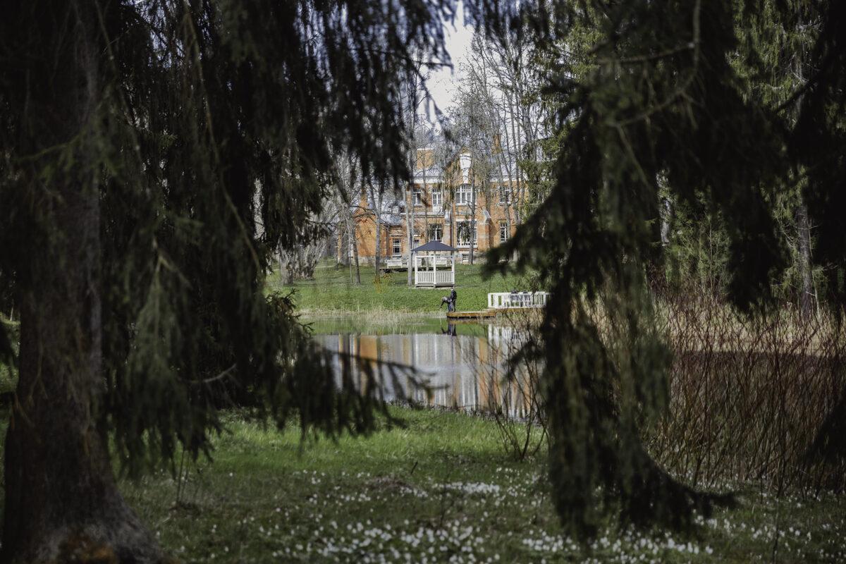 Luznava manor park