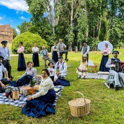 Quadrille dance group of the Manor at Jaunmoku Castle garden festival 04/07/2021
